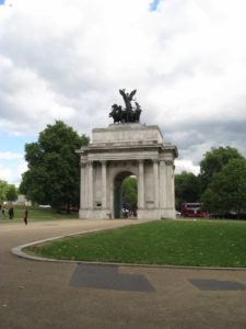 Wellington Arch Dancing King