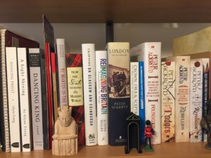 bookshelf Dancing King